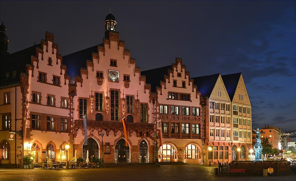 2014-06-03-10-Frankfurt-Main-Roemer-Rathaus.JPG
