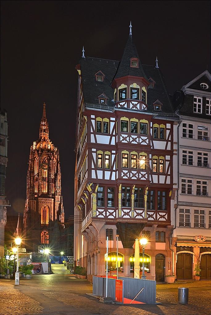 2014-06-03-12-Frankfurt-Main-Roemerberg-Fachwerk.JPG