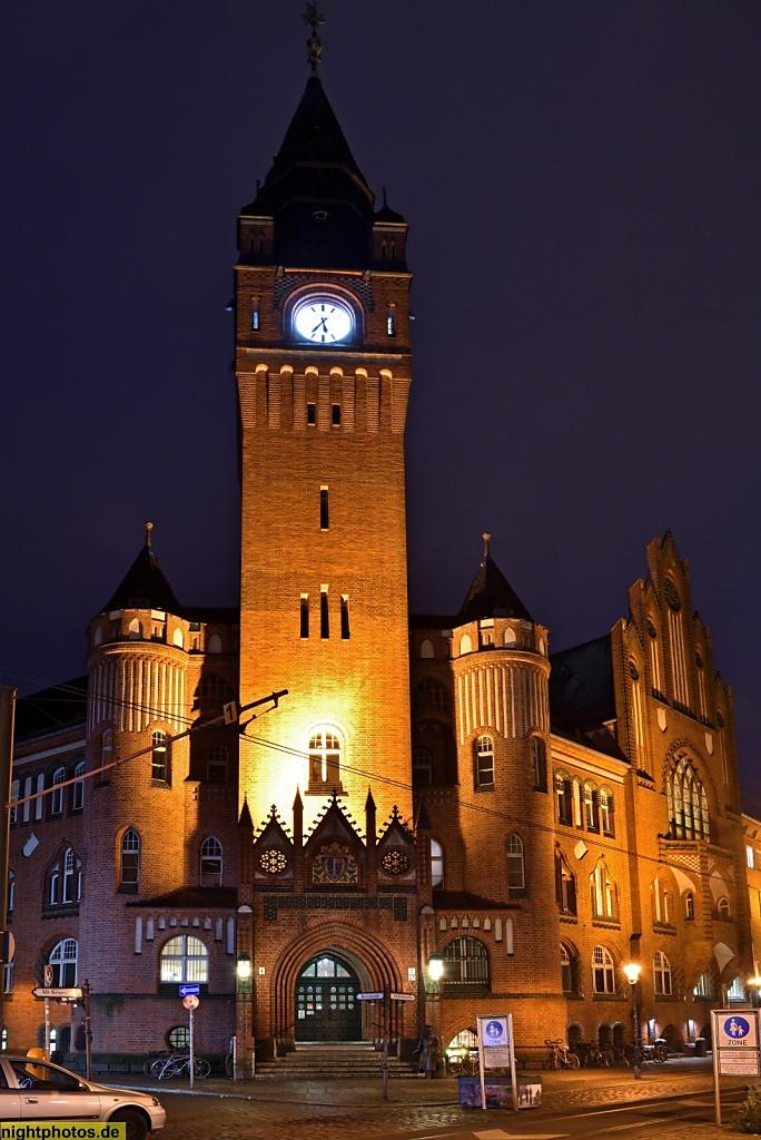 Berlin Köpenick Rathaus mit Wilhelm Voigt als 'Hauptmann von Köpenick'