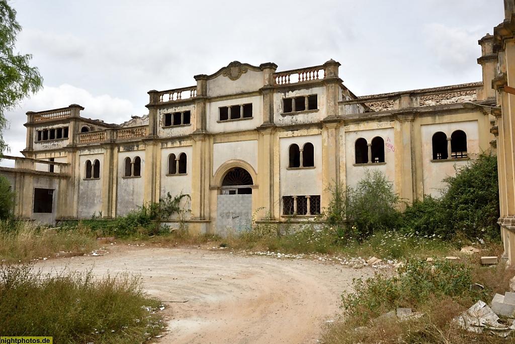 Lost Place: ehemalige Weinkooperative auf Mallorca