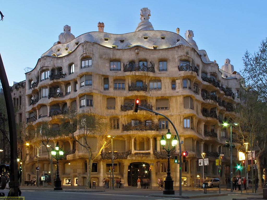 Barcelona Casa Mila am Passeig de Gracia erbaut von Antoni Gaudi 1906-1910