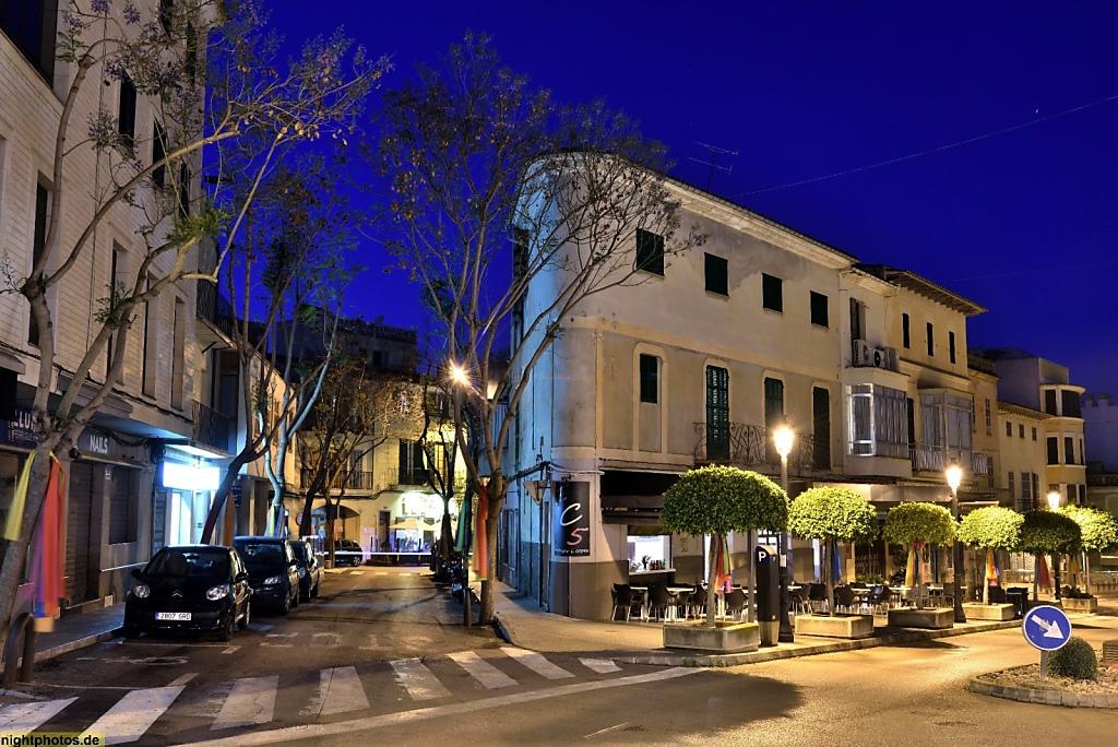 Mallorca Manacor Passeig d'Antoni Maura y Carrer de l'Amargura y Cafe 'Cent Cinc Menjar I Copes'