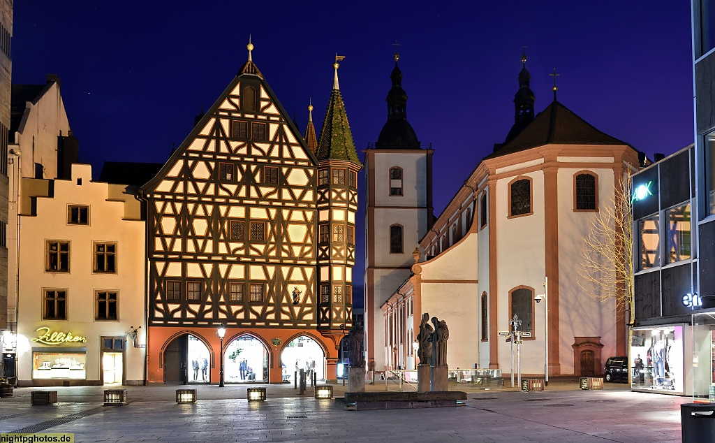 Fulda Altes Rathaus erbaut 1531. Stadtpfarrkirche St Blasius erbaut 1771-1785