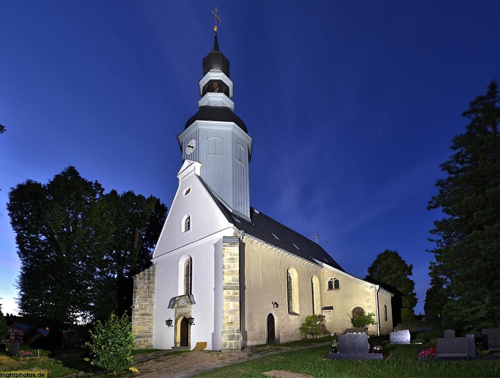 Reinhardtsdorf Dorfkirche erbaut 11.-12. Jhdt als romanische Wehrkirche. Kirchweihe 1523. Weihbischof Johannes VII von Meissen. Heutige Bauform entstand 1675-1678