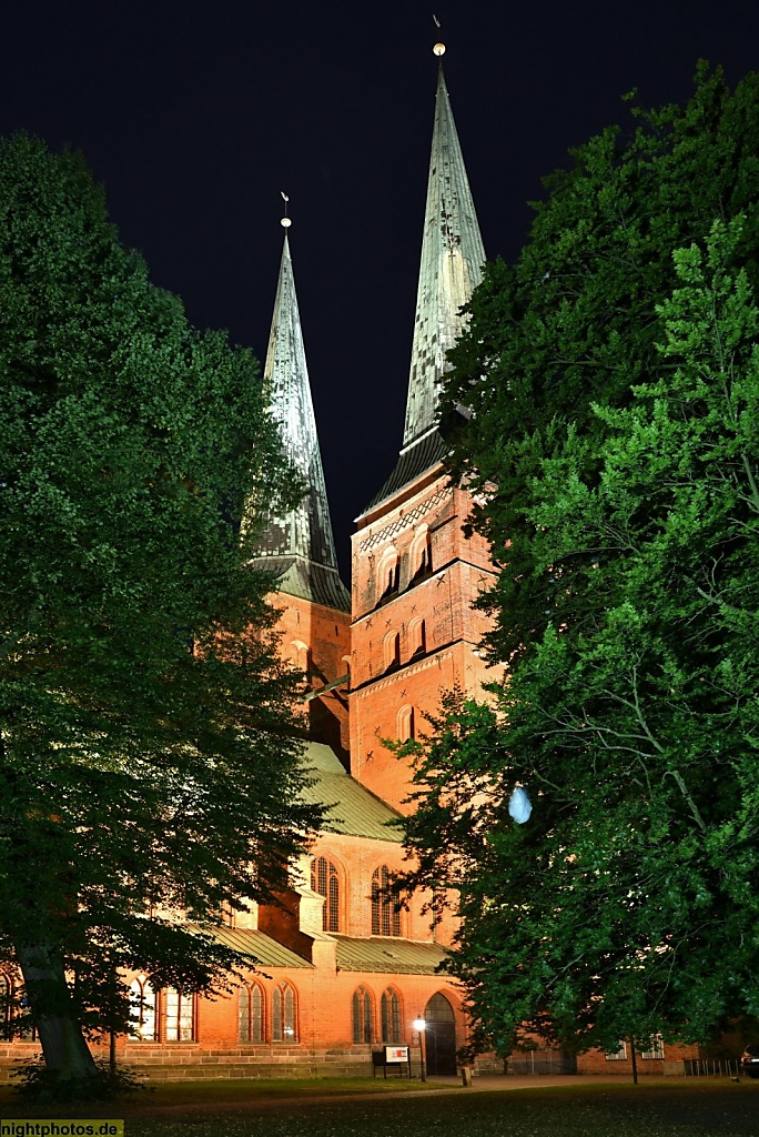 Lübeck Dom erbaut romanisch 1173-1230. Umbau gotisch 1266-1335. Nachkriegs-Wiederaufbau beendet 1982
