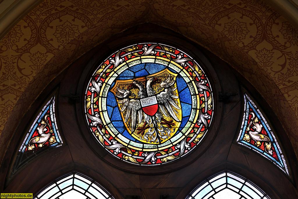 Lübeck Maria-Magdalenen-Kloster. Burgkloster des Dominikanerorden 1227-1531. Schöffengerichtssaal von 1896. Wappenfenster