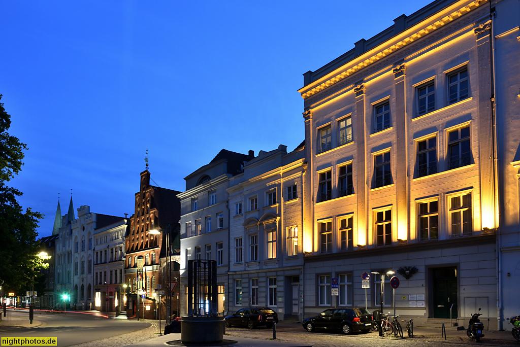 Lübeck Koberg und Breite Strasse mit Haus der Schiffergesellschaft