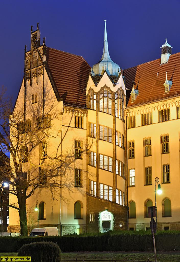 Berlin Mitte Gesundbrunnen Amtsgericht Wedding erbaut 1901-1906 von Rudolf Mönnich und Paul Thoemer im Stil der Neogotik