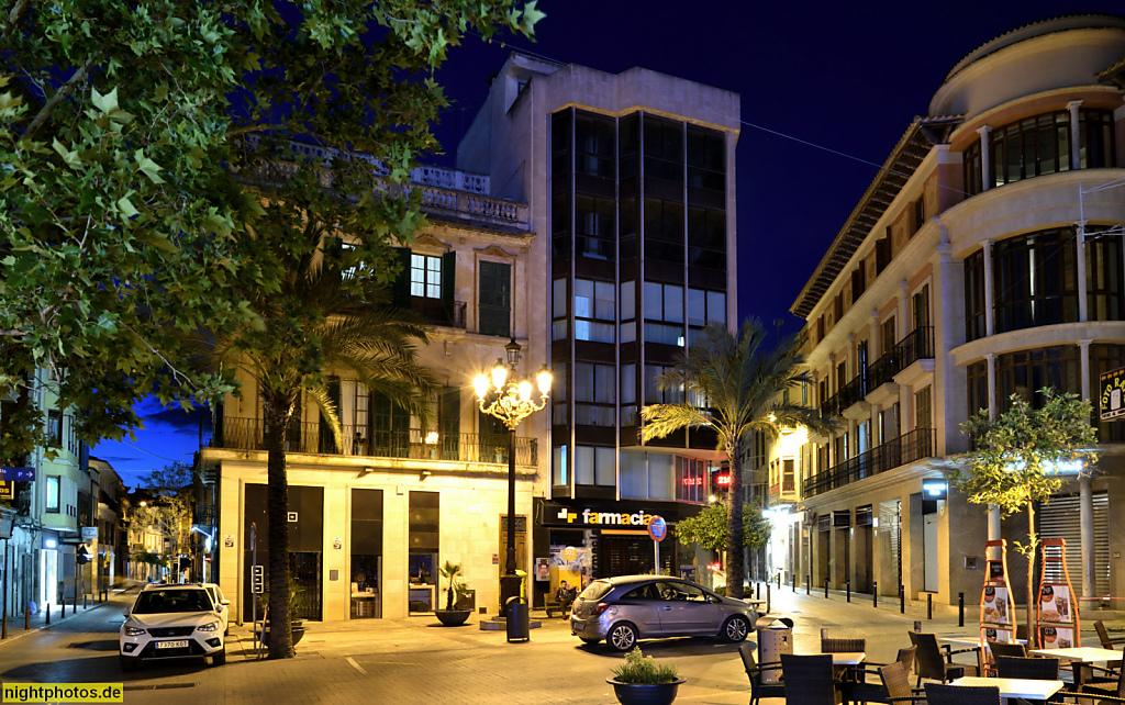 Mallorca Manacor. Placa de Sa Bassa. Strassencafé