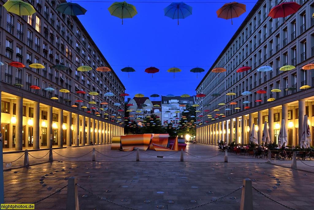 Berlin Charlottenburg Leibniz-Kolonnaden am Walter-Benjamin-Platz erbaut 1997-2000 von Hans Kollhoff