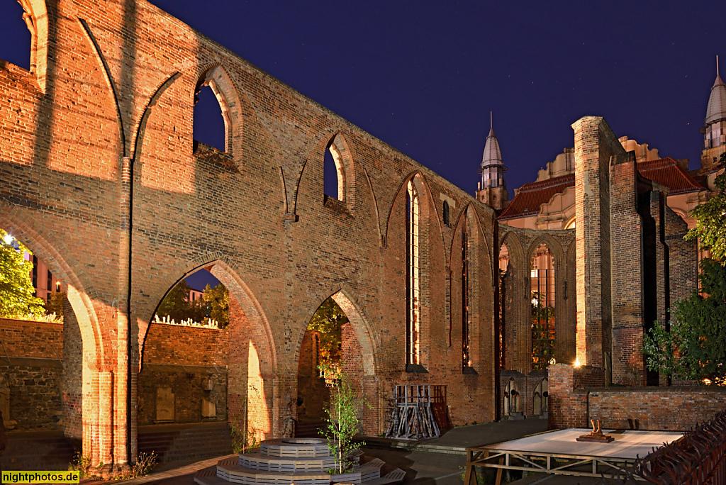 Berlin Mitte Ruine der Franziskaner-Klosterkirche erbaut ab 1250 im frühgotischen Stil als Bettelordenskirche für das Graue Kloster der Franziskaner