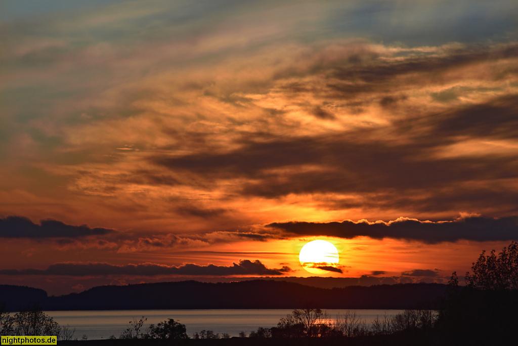 Rügen Kampe Blick bei Sonnenuntergang auf den Spycker See von der L303